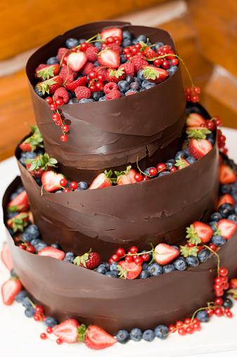 結婚「チョコレートのウェディングケーキ」:スマホ壁紙(1)
