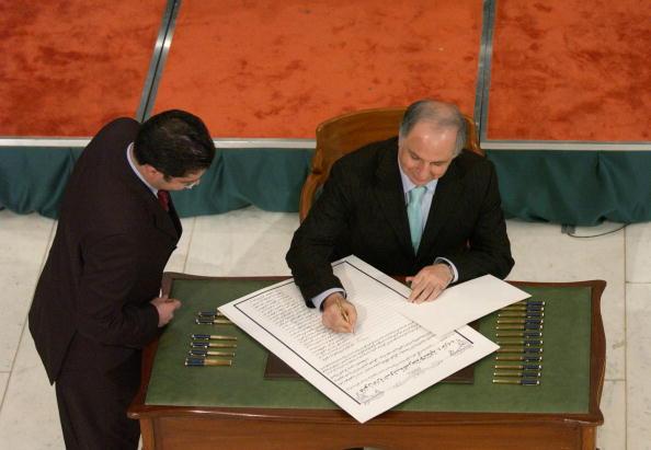 Iraqi Governing council「Iraqi Council Signs Interim Constitution」:写真・画像(2)[壁紙.com]