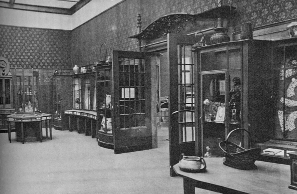 Costume Jewelry「Room of the Austrian Arts and Crafts Schools, St Louis', 1905」:写真・画像(5)[壁紙.com]