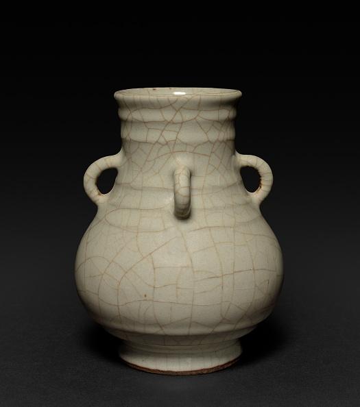 Porcelain「Vase: Guan Type」:写真・画像(11)[壁紙.com]