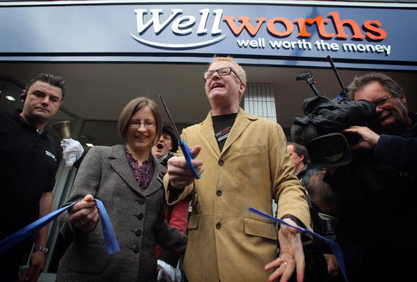 New Business「Former Woolworths Manager Reopens The Store As Wellworths」:写真・画像(7)[壁紙.com]