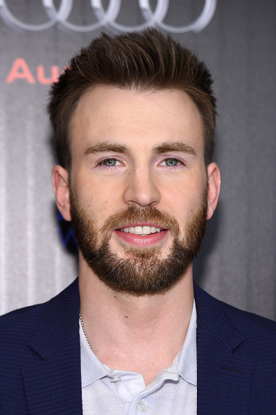 "Captain America「The Cinema Society With Audi & FIJI Host A Screening Of Marvel's ""Captain America: Civil War""- Arrivals」:写真・画像(14)[壁紙.com]"
