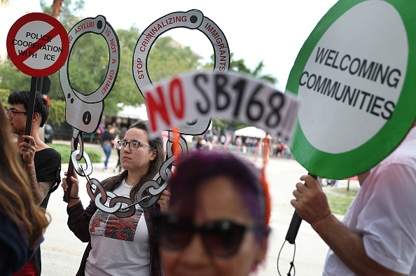 Florida - US State「Immigration Activists Holds News Conference Outside ICE Office In Miramar」:写真・画像(0)[壁紙.com]