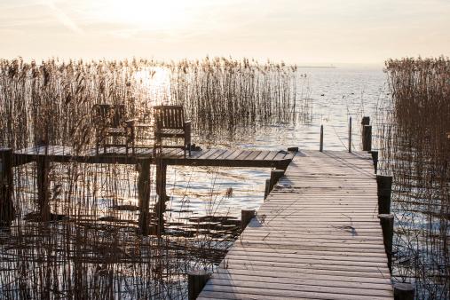 Health Spa「chairs at waterfront of wellness resort」:スマホ壁紙(0)