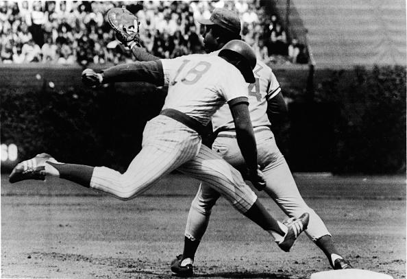 Baseball - Sport「Madlock Streches Towards First Base」:写真・画像(13)[壁紙.com]