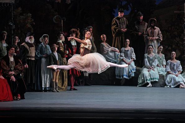 Dancing「Giselle」:写真・画像(11)[壁紙.com]