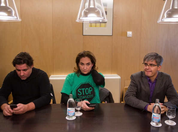 Popular Party「Stop Evictions Pressure Group And Popular Party Representatives Meeting」:写真・画像(15)[壁紙.com]