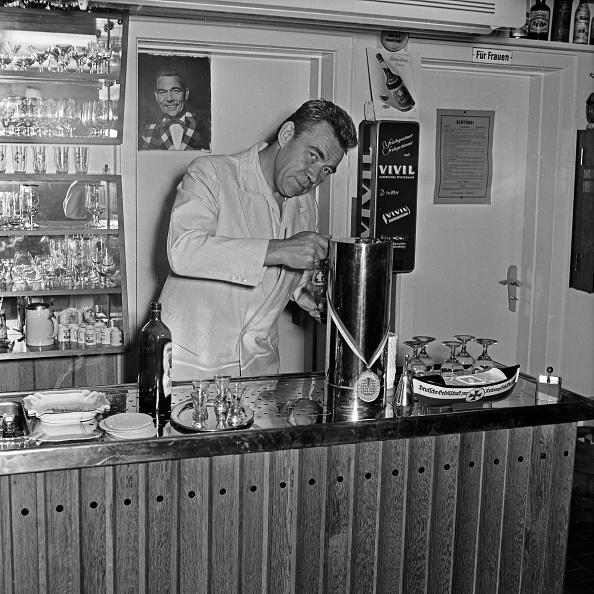 Basement「Peter Frankenfeld」:写真・画像(18)[壁紙.com]