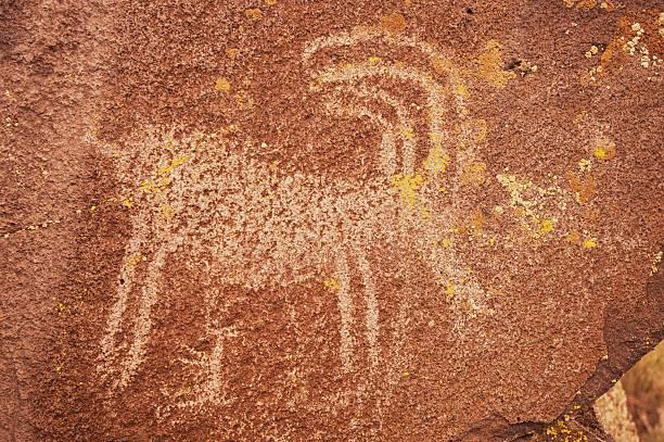 Petroglyph on stone:スマホ壁紙(壁紙.com)