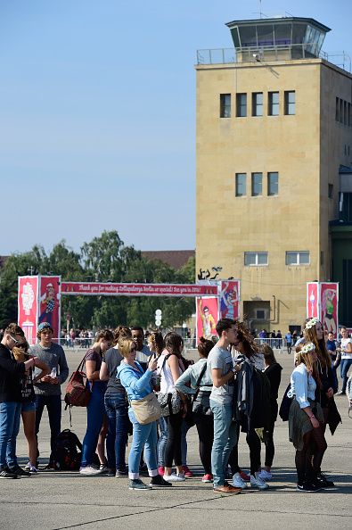 Waiting In Line「Lollapalooza Berlin 2015 - Atmosphere」:写真・画像(6)[壁紙.com]