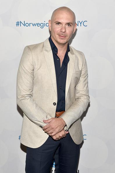 出席する「Norwegian Escape Heads To NYC With Godfather Pitbull」:写真・画像(5)[壁紙.com]