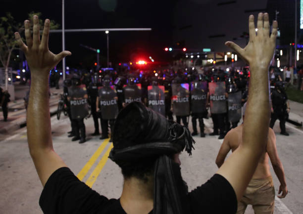 Protesters Demonstrate In Miami Against Death Of George Floyd By Police Officer In Minneapolis:ニュース(壁紙.com)