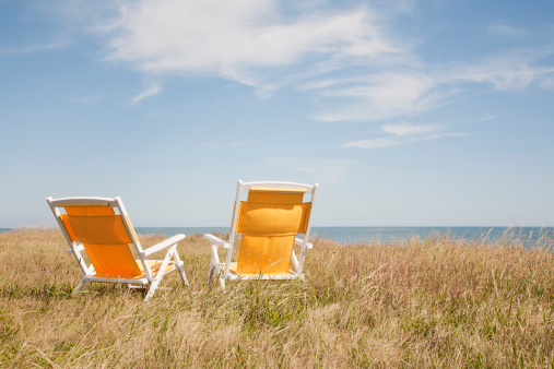 Two Objects「Yellow chairs by the sea」:スマホ壁紙(5)