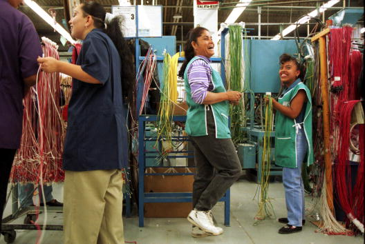 Free Trade Agreement「Workers in the Maquiladoras in Mexico」:写真・画像(16)[壁紙.com]