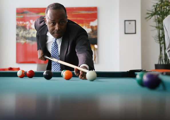 Apartment「Housing And Urban Development Head Ben Carson Continues His Listening Tour In Miami」:写真・画像(18)[壁紙.com]