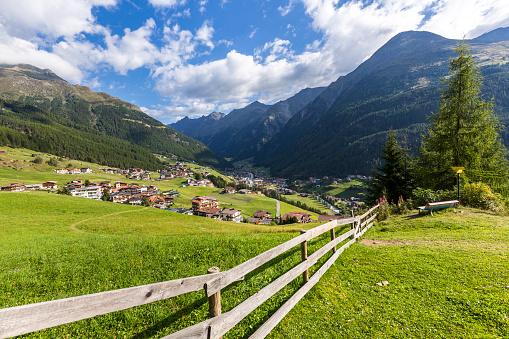 Solden「Austria, Soelden, view to Oetztal」:スマホ壁紙(14)