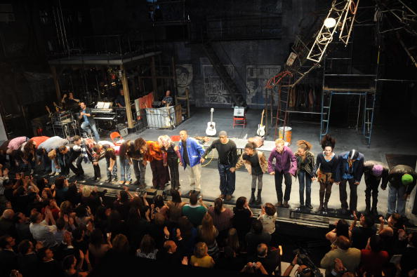 "Closing Night「""RENT"" Broadway Closing Night - Curtain Call」:写真・画像(6)[壁紙.com]"