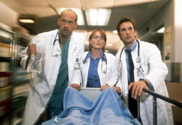 Accidents and Disasters「ER Television Stills」:写真・画像(11)[壁紙.com]