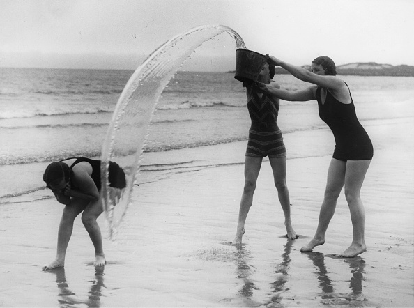 East Lothian「Fun On The Beach At Gullane」:写真・画像(3)[壁紙.com]
