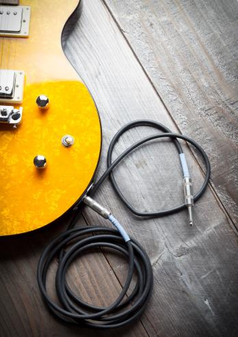 ハート「エレキギター中心」:スマホ壁紙(2)