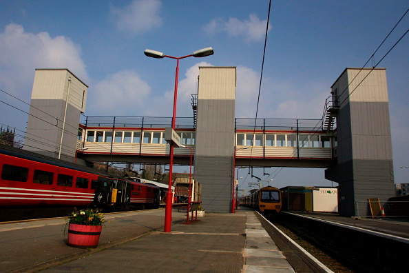 Finance and Economy「Macclesfield Station. 2003.」:写真・画像(11)[壁紙.com]