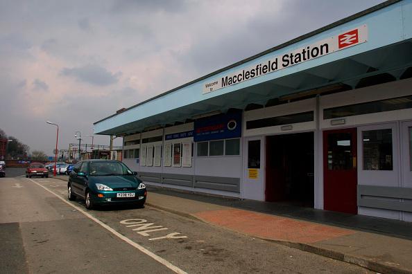 Finance and Economy「Macclesfield Station entrance. 2003.」:写真・画像(17)[壁紙.com]