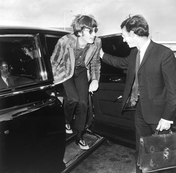 Disembarking「John Lennon」:写真・画像(8)[壁紙.com]