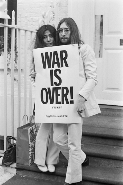 John Lennon「War Is Over」:写真・画像(9)[壁紙.com]