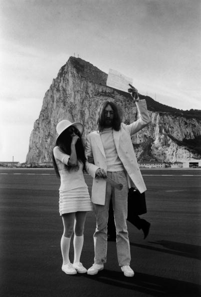Wedding「Mr And Mrs Lennon」:写真・画像(18)[壁紙.com]