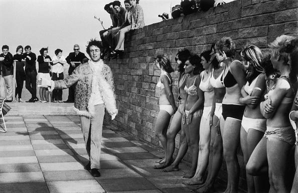 水着「Lennon And Ladies」:写真・画像(8)[壁紙.com]