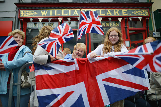 Queen Elizabeth II And Prince Philip, Duke Of Edinburgh Visit Northern Ireland - Day 1:ニュース(壁紙.com)