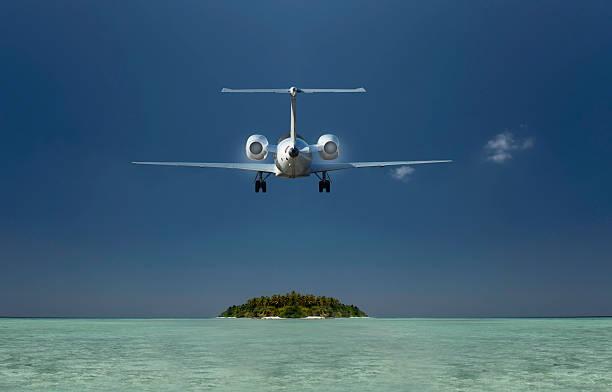モルディブに向かう飛行機のまとめ:2013年07月02日(壁紙.com)