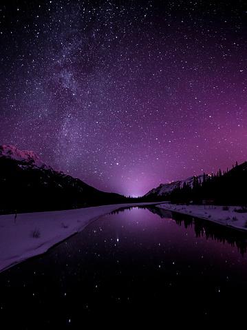 星空「Starry sky illuminates mountain landscape」:スマホ壁紙(9)