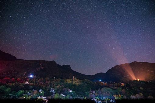 star sky「Starry sky of Danba County in Ganzi Region,Sichuan Province,China 」:スマホ壁紙(8)