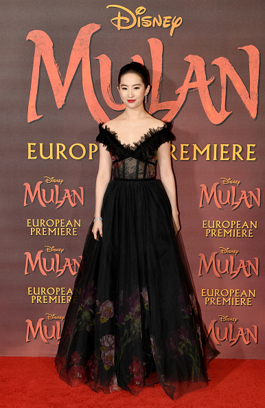 "Film Premiere「European Premiere Of Disney's ""MULAN""」:写真・画像(16)[壁紙.com]"