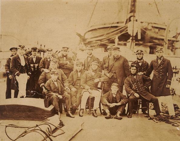 対面「HMS Encounter」:写真・画像(0)[壁紙.com]