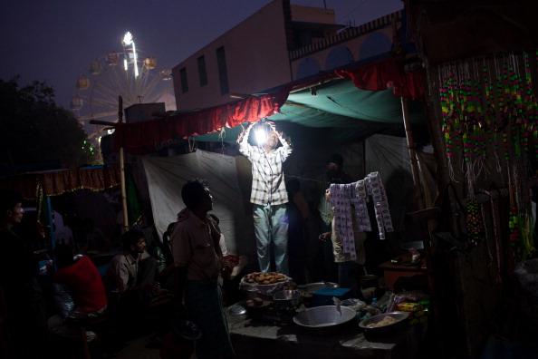 Light Bulb「Bihar Hosts One Of Asias Largest Cattle Fairs」:写真・画像(8)[壁紙.com]