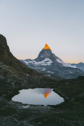Pennine Alps「Scenic view of lake on the background of  Matterhorn mountain」:スマホ壁紙(9)