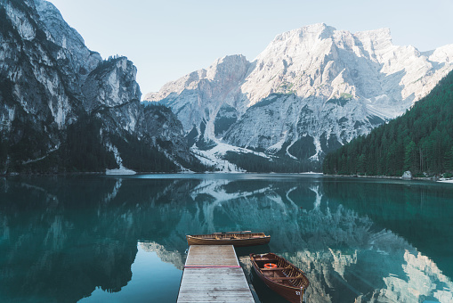European Alps「Scenic view of Lago di Braies  in Dolomites」:スマホ壁紙(5)