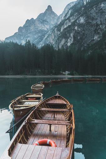 オーストリア「ブラーイエス ドロミテの美しい景色」:スマホ壁紙(17)