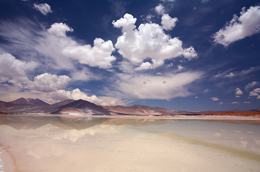Atacama Region「Scenic view of Salt Lake Salar de Altiplano, Atacama, Chile」:スマホ壁紙(19)