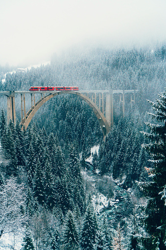 Fairy Tale「Scenic view of train on viaduct in Switzerland」:スマホ壁紙(15)