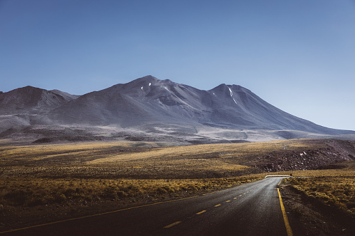 Active Volcano「Scenic view of mountain road in Atacama desert」:スマホ壁紙(19)