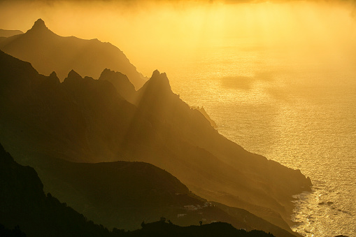 Atlantic Islands「Scenic View Of A Taganana With Anaga Mountains In Tenerife, Canary Islands, Spain」:スマホ壁紙(9)