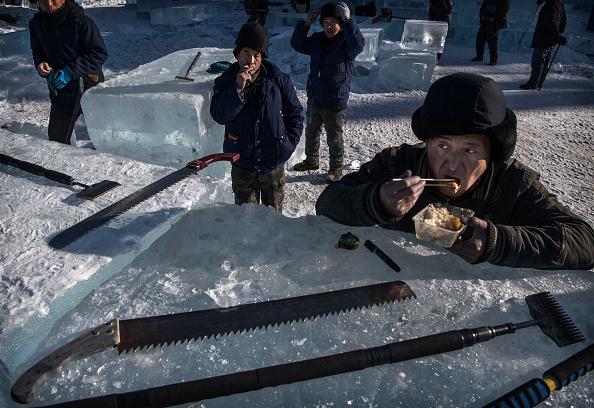 お祭り「Workers In China Prepare For World's Largest Ice Festival」:写真・画像(8)[壁紙.com]