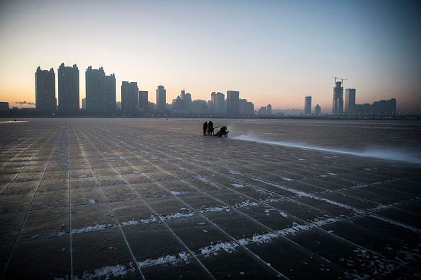 Harbin「Workers In China Prepare For World's Largest Ice Festival」:写真・画像(1)[壁紙.com]