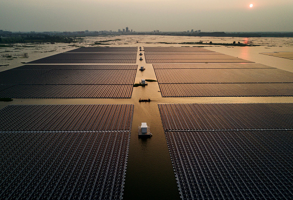 Sun「Floating Solar Aims to Gain Ground in China's Coal Country」:写真・画像(15)[壁紙.com]