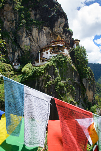 Himalayas「Tiger's Nest Monastery, Bhutan, Paro Valley.」:スマホ壁紙(9)