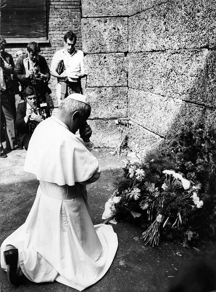 Photography Themes「Prayer At Auschwitz」:写真・画像(19)[壁紙.com]