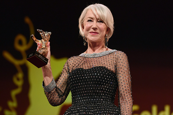 Berlin International Film Festival「Homage  Helen Mirren - Honorary Golden Bear Award Ceremony - 70th Berlinale International Film Festival」:写真・画像(7)[壁紙.com]